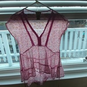 Eyelash Pink floral blouse. Small